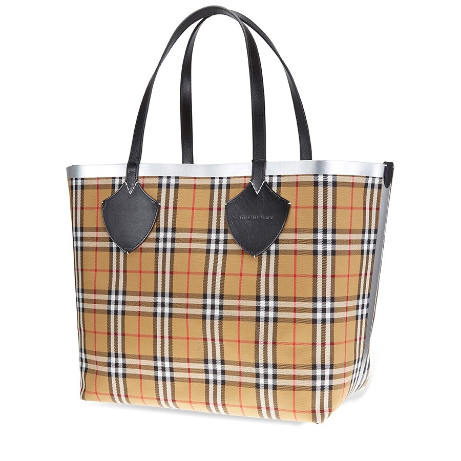 detailed images new photos online sale Burberry Giant Reversible Tote in Vintage Check- Black/Silver
