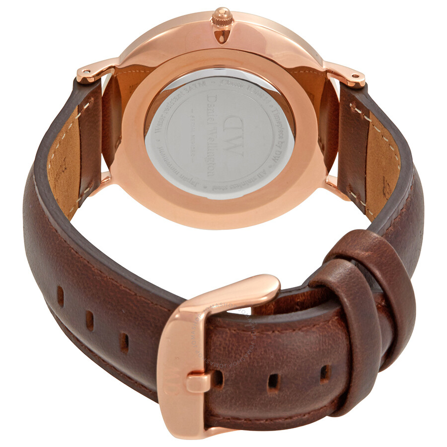 how to put on a daniel wellington watch