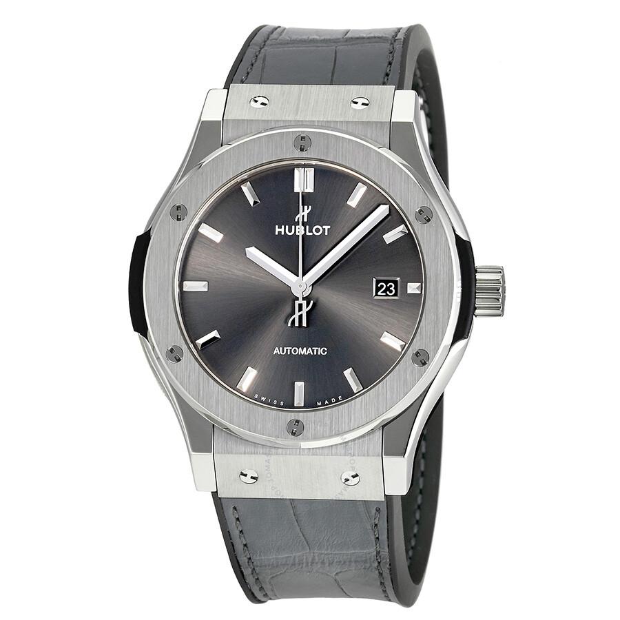Debutant cherche montre pour un budget de 8000 euros max Hublot-classic-fusion-grey-dial-automatic-men_s-watch-542.nx.7071.lr