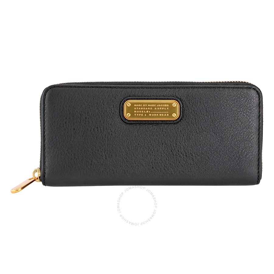 marc by marc jacobs q slim zip around wallet black. Black Bedroom Furniture Sets. Home Design Ideas