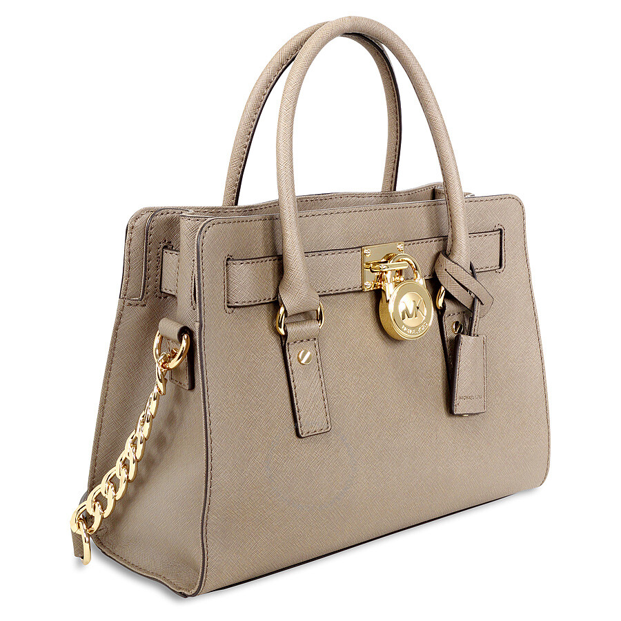 Shop the Michael Kors Handbags Under $ collection, handpicked and curated by expert stylists on Poshmark. Find items at up to 70% off retail prices.