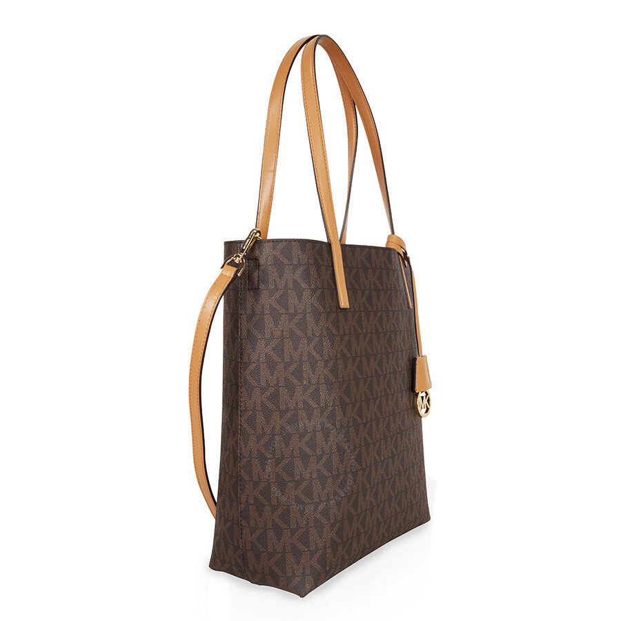 Shop Michael Kors Canada for jet set luxury: designer handbags, watches, shoes, clothing & more. Receive free shipping and returns on your purchase.