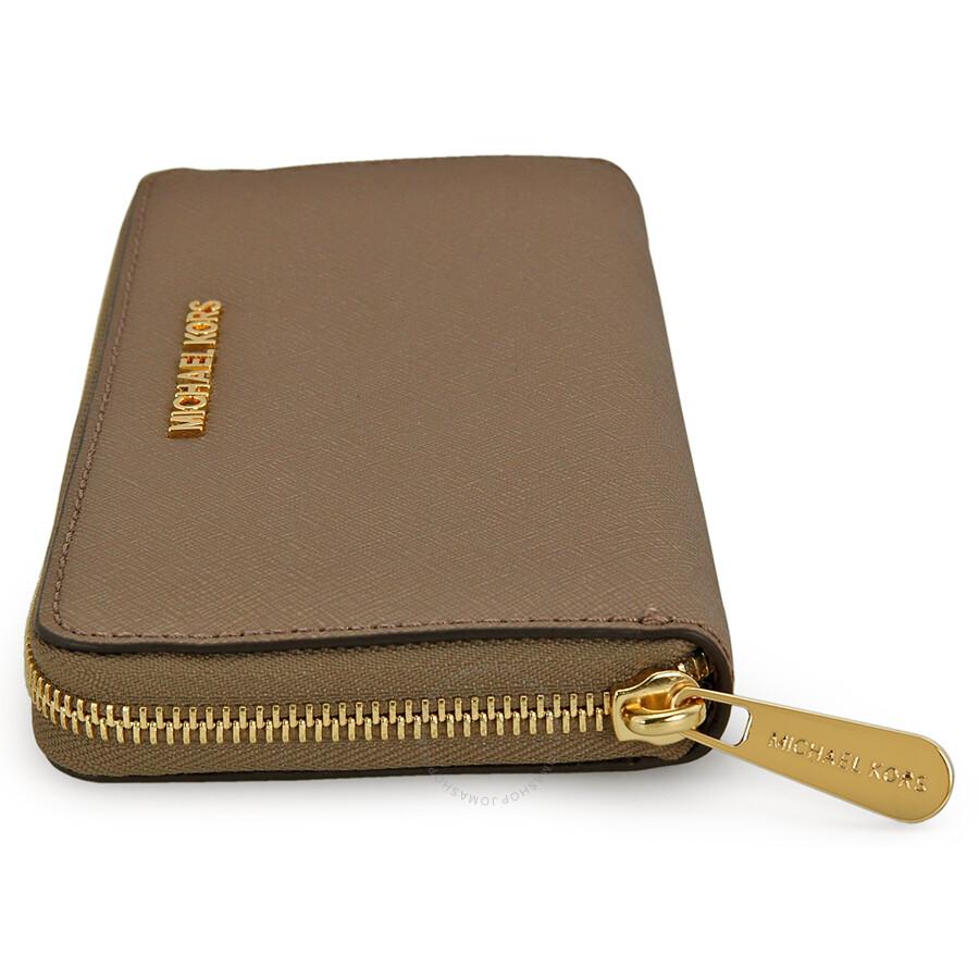 Michael Kors Jet Set Leather Continental Travel Wallet ...
