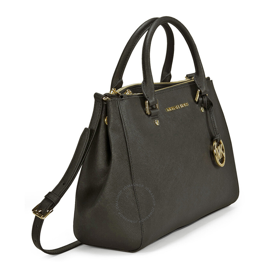 A Michael Kors Grayson satchel crafted in black pebbled leather, with gold-tone metal hardeware. This satchel features one main po cket, 2 front slit pockets, a back zip pocket, a zip-top closure, two leather handles with a
