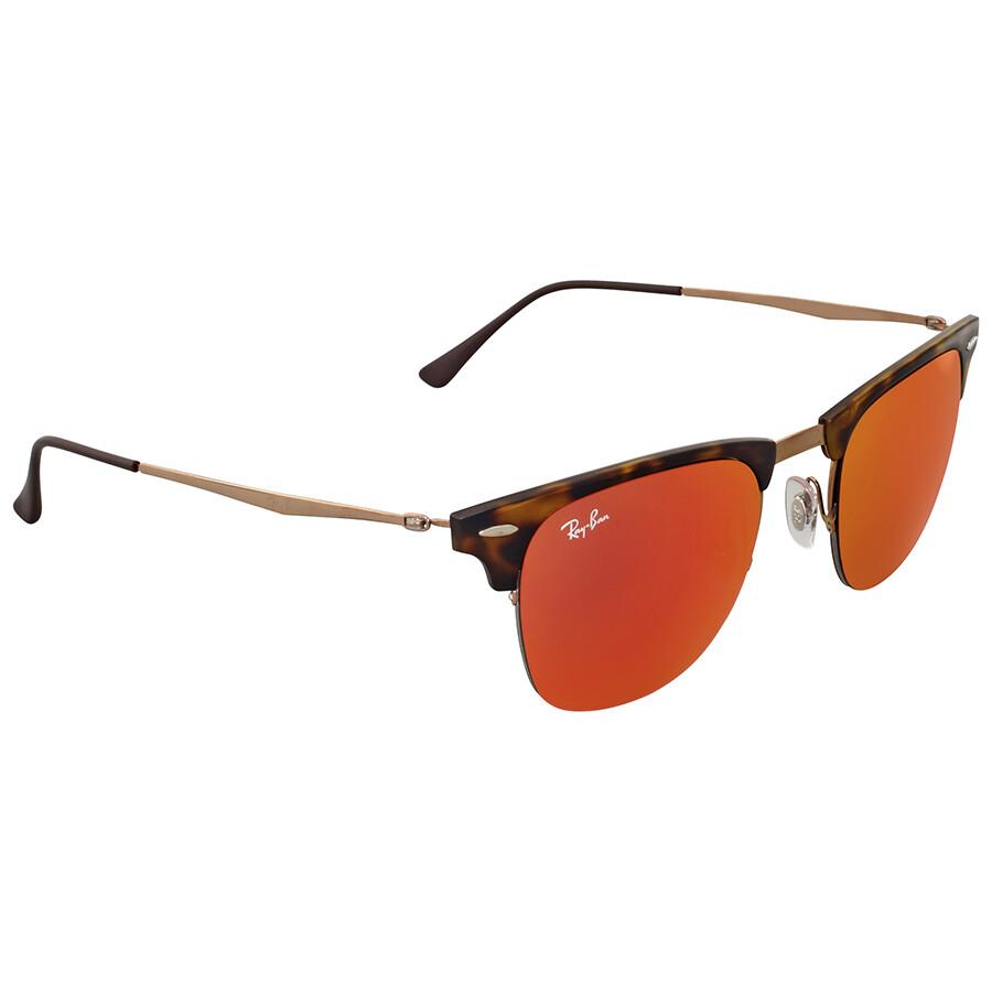 Девушки русые в солнечных очках