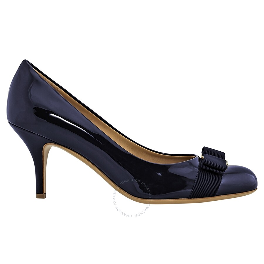 8dae64fecb61 Salvatore Ferragamo Vara Bow Pump Shoe- Uniform Blue FR01B788539594 ...